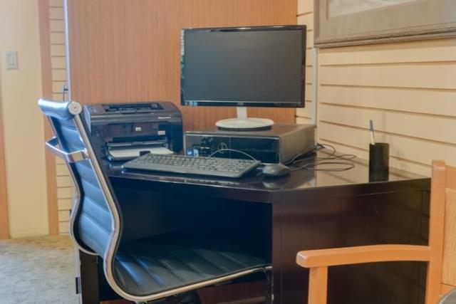 Computer workstation business center at Hallmark Resort & Cannon Beach